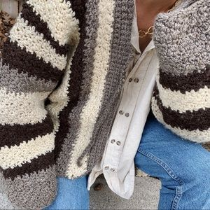 Vintage handmade oversized chunky knit sweater